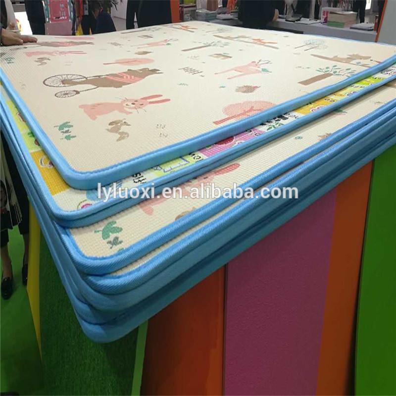 Baby play mat XPE foam material, rolling or folding play mat